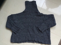Used oversized turtleneck sweater, medium in Dubai, UAE