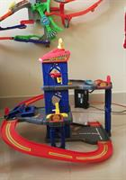 Used Garage Parking 3 Levels. Toy. With CAR WASH AND ELEVATOR. Excellent Condition. Udjustable Levels.  in Dubai, UAE