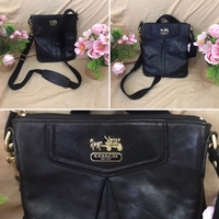 Used Preloved Coach sling bag , small size in Dubai, UAE