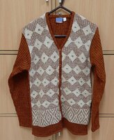 Used Brown knitted sweater for her ! in Dubai, UAE