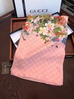 Used Gucci scarf - pink in Dubai, UAE