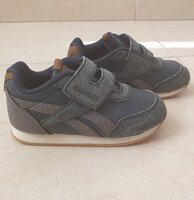 Used Reebok kids shoes size 22.5 EUR in Dubai, UAE