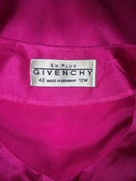 Used Givenchy En Plus Pink Blouse Authentic  in Dubai, UAE