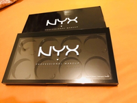 Used NYX empty palette 8 spaces for shadow in Dubai, UAE