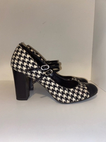 Used M&S black and white shoes / heals in Dubai, UAE