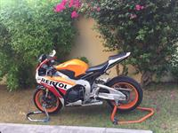 Used 2015 Honda Cbr1000rr in Dubai, UAE