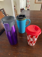 Used Coffe cups with lids  in Dubai, UAE