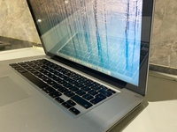 Used Macbook Pro, 15 inch, i7, 8GB RAM, 500GB in Dubai, UAE
