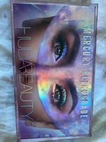 Used Huda beauty eyeshadow. Never used  in Dubai, UAE