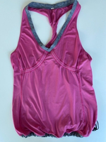 Used LULULEMON yoga top size M in Dubai, UAE