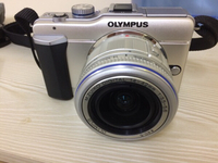 Used Olympus epl 1 with box and accessories  in Dubai, UAE
