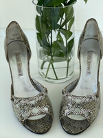 Used Luciano Padovan s39 shoes, leather in Dubai, UAE