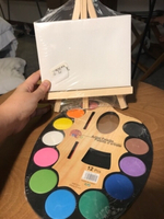 Used Artist palette and one canvas & stand in Dubai, UAE