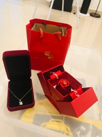 Used 🌹Beautiful Shine rose Necklace&Gift Box in Dubai, UAE