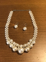Used Pearls design ear rings with neckless in Dubai, UAE