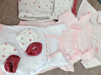 Used 6 pieces baby girl clothes 0-3 months  in Dubai, UAE