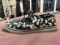 Used Used sneakers- still in good condition  in Dubai, UAE