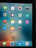 Used Ipad 3rd Generation 32 gb with cover in Dubai, UAE