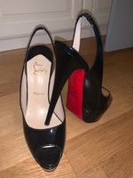 Used Women shoes  in Dubai, UAE