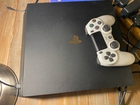 Used PlayStation 4pro 1TB with one controller in Dubai, UAE