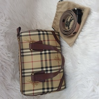 Used Authentic Burberry Handbag in Dubai, UAE