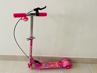 Used Pink scooter  in Dubai, UAE