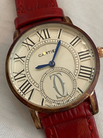 Used Red classic Cartier watch like new  in Dubai, UAE