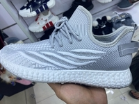 Used Changao shoes in Dubai, UAE