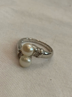 Used 925 Sterling silver pearls ring NEW in Dubai, UAE