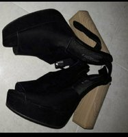 Used H&m black sandals in Dubai, UAE