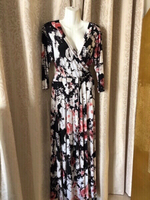 Used Elegant floral Dress size 3 XL UK 26 in Dubai, UAE