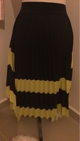 Used White and neon yellow skirt (free size) in Dubai, UAE