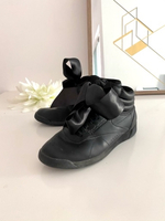 Used Reebok black trainers sneakers size 36  in Dubai, UAE