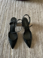 Used Mid heels shoes size 40 in Dubai, UAE