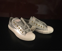 Used Authentic Converse women's size 38, new in Dubai, UAE