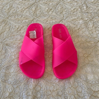 Used Neon pink slides (39) in Dubai, UAE