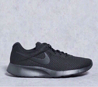 Used 🔴 OFFER Nike sneakers size 42, new  in Dubai, UAE