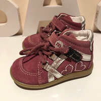 Used Baby girl shoes pink suede size EU20 in Dubai, UAE