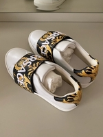 Used Versace girls sneakers size 33 in Dubai, UAE