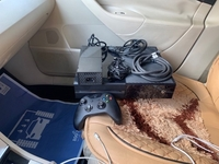 Used Xbox one 500GB with one controller in Dubai, UAE