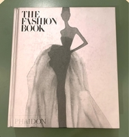 Used 5 NEW FASHION BOOKS WORTH 900 DHS in Dubai, UAE