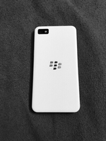 Used blackberry Z10 white 16GB WITH BOX in Dubai, UAE