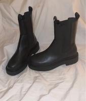 Used New HnM boots size 40  in Dubai, UAE