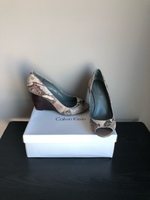 Used Calvin Klein wedge pumps size 39,5 new in Dubai, UAE