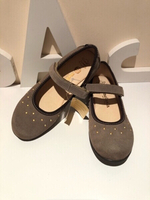 Used Ballerinas size 34 beige suede in Dubai, UAE