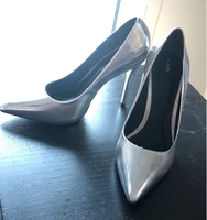 Used Silver high heels aldo in Dubai, UAE