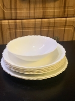 Used Plates set of 8 pcs in Dubai, UAE