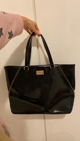 Used DKNY tote bag/handbag in Dubai, UAE