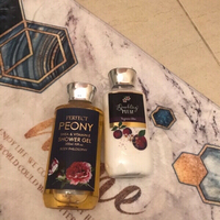 Used Lotion and shower gel brand new  in Dubai, UAE