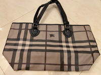 Used Large Burberry bag  in Dubai, UAE